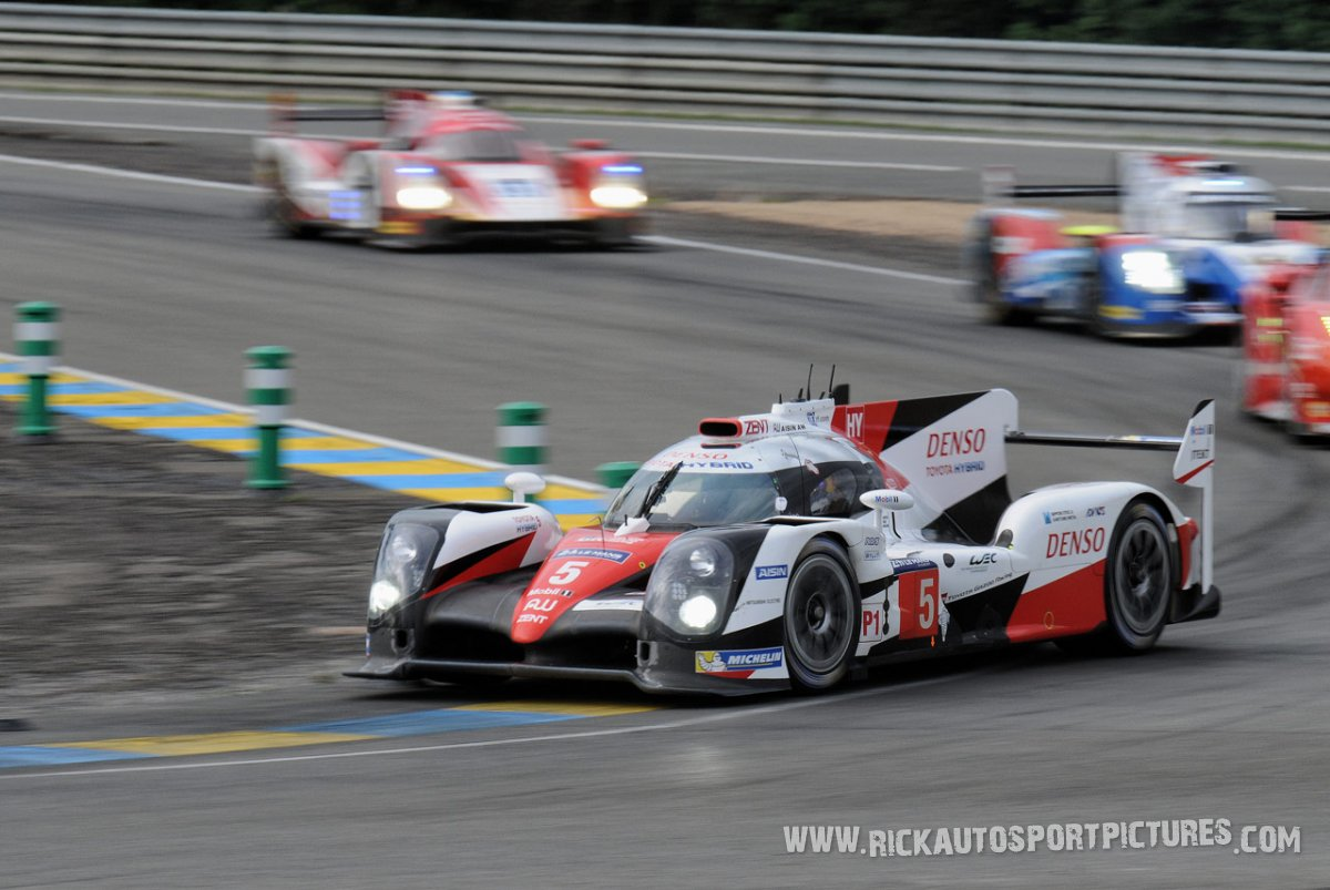 Toyota-Gazoo-Le-Mans-2016