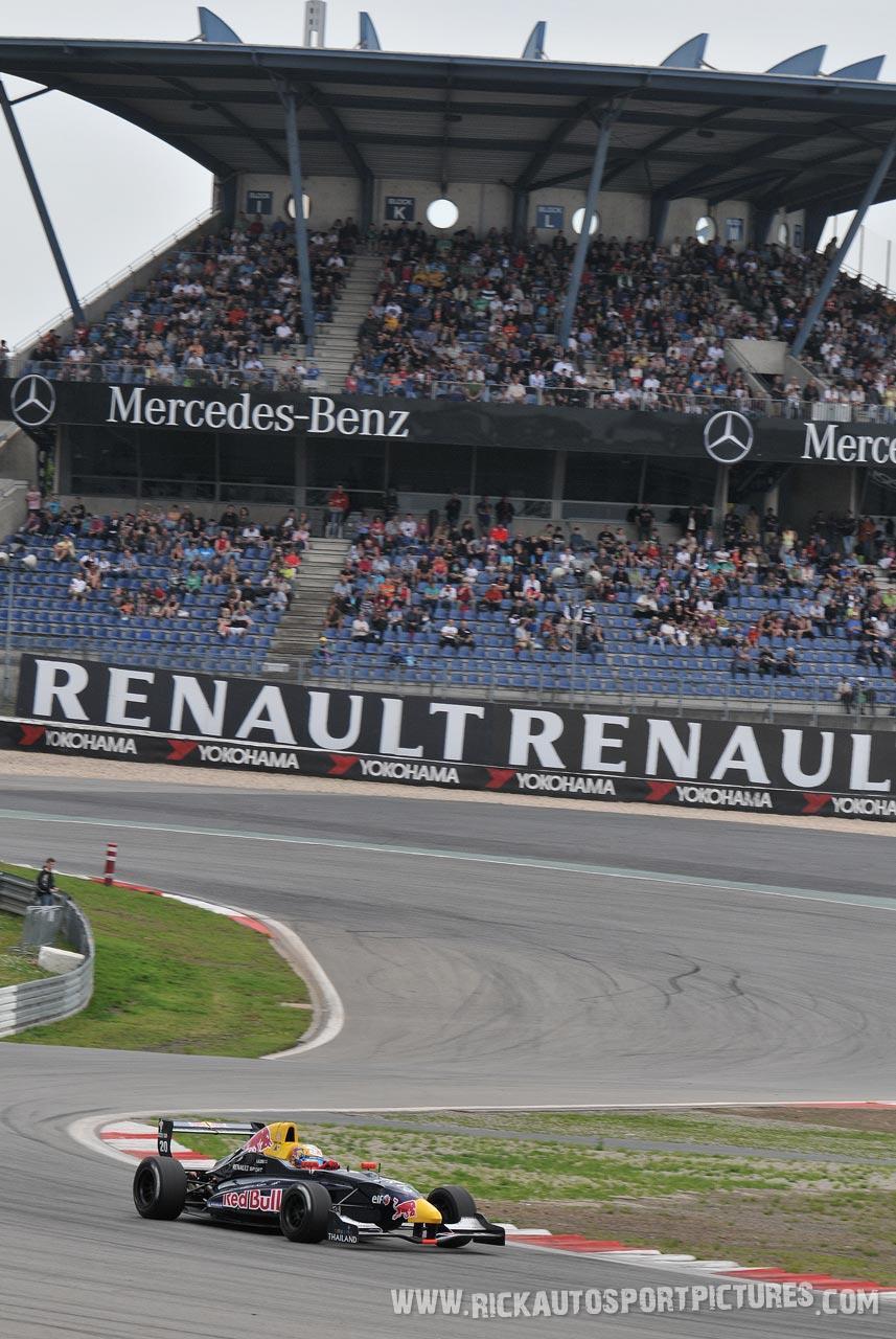 Alexander Albon formula renault 2.0 2012