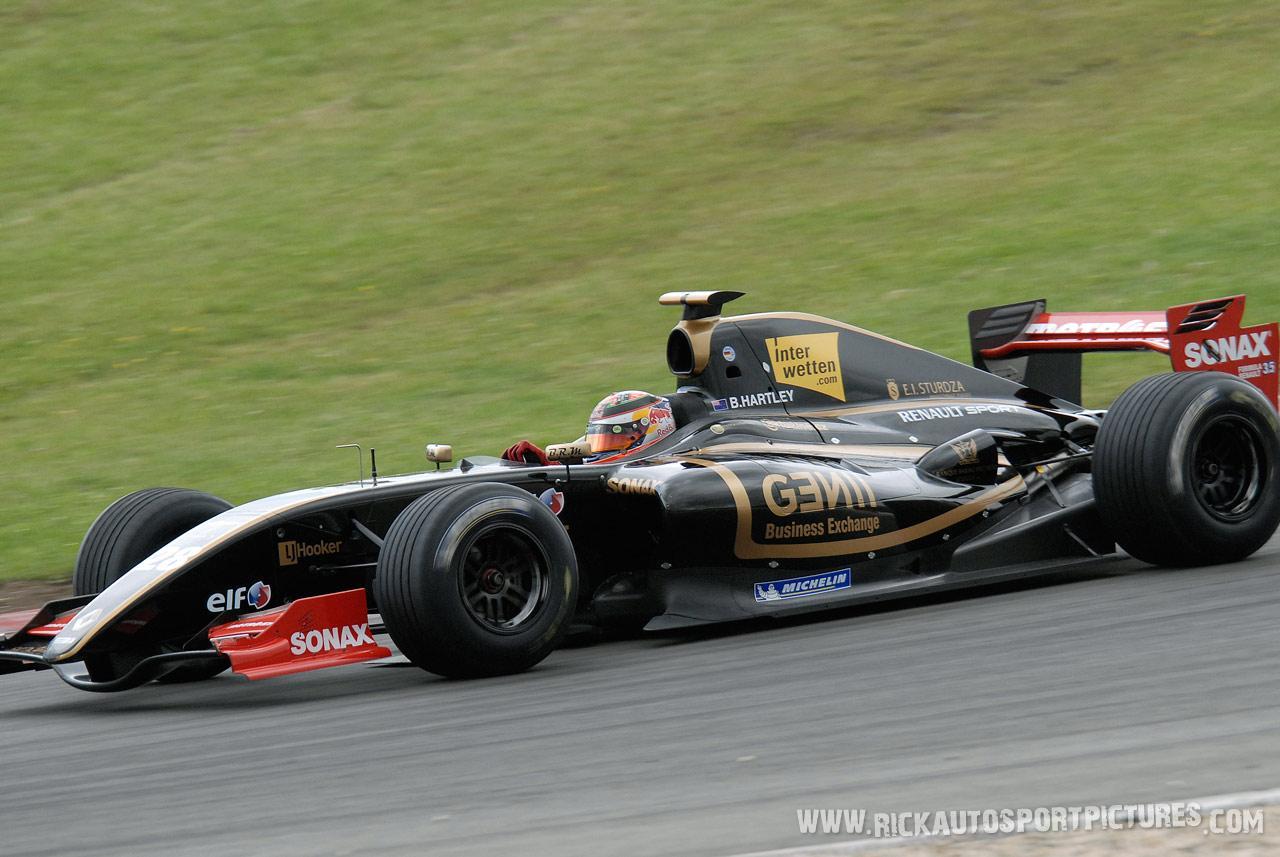 Brendon Hartley renault series 2011