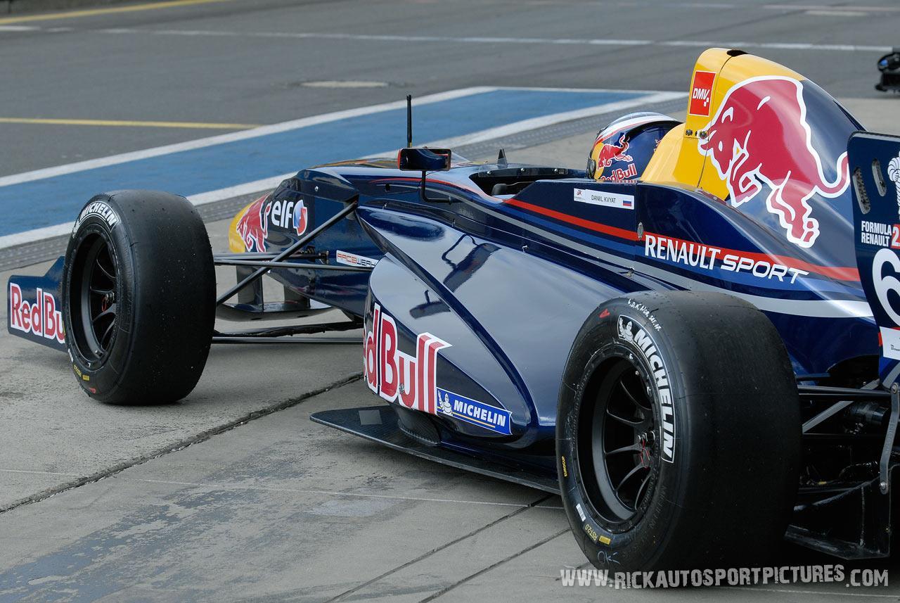 Daniil Kvyat renault series 2.0 2011