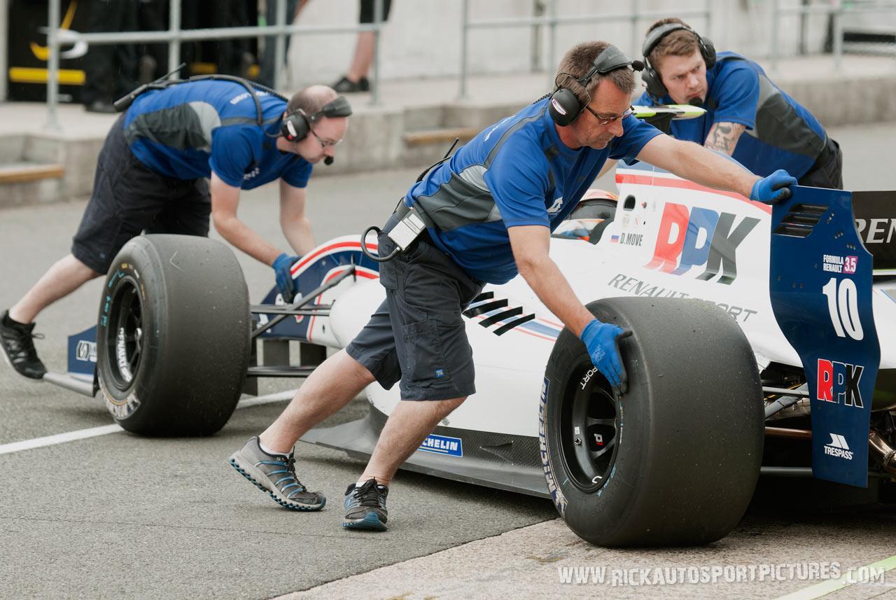 Daniil Move renault series 2012