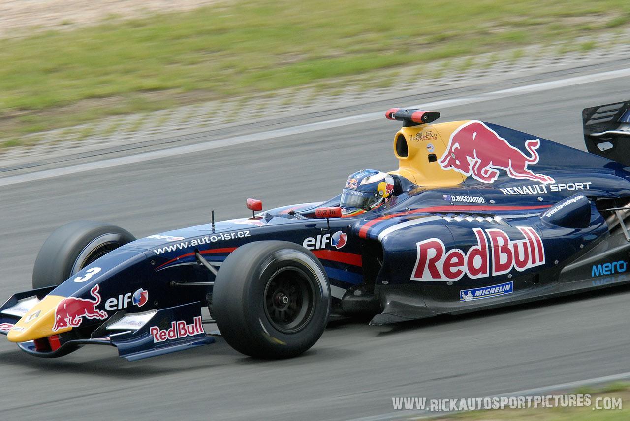 Daniel Ricciardo renault series nurburgring 2011