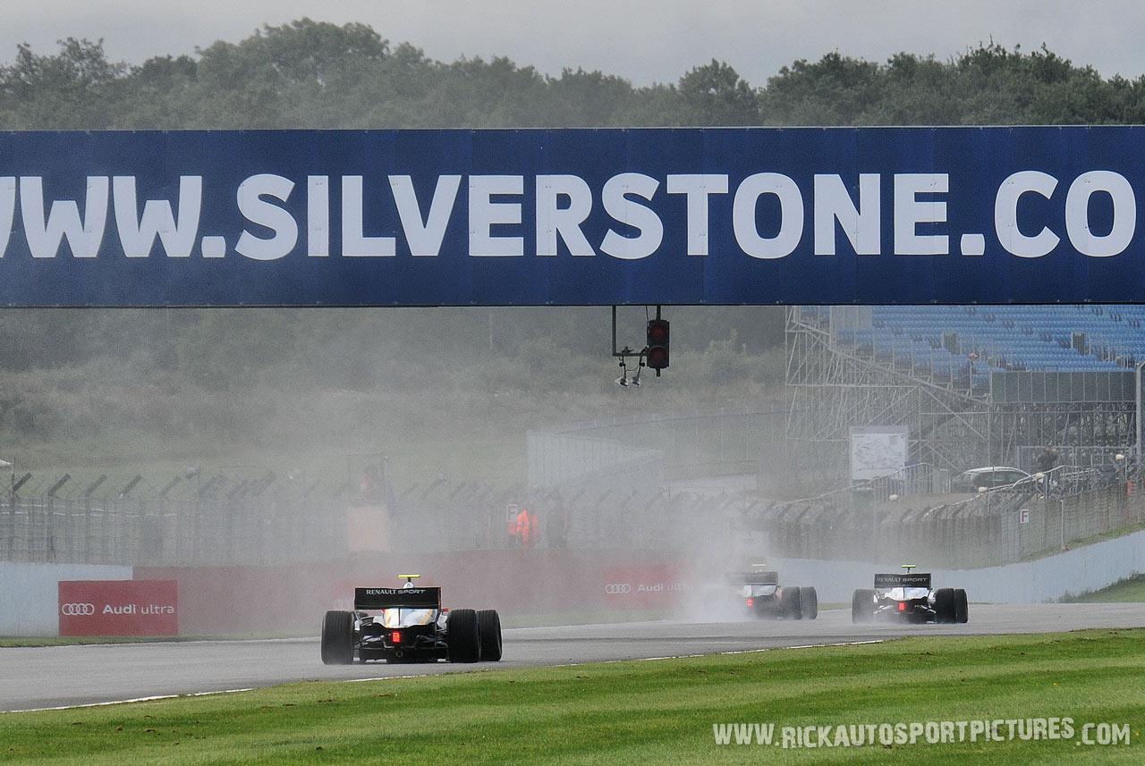renault world series silverstone rain